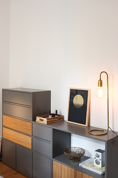 Sideboard in grey with two drawers and two doors in oak