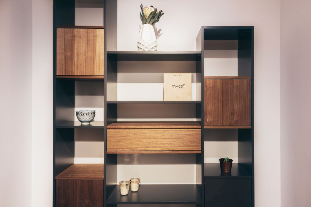 showroom mycs munich meubles personnalisables mycs france. Black Bedroom Furniture Sets. Home Design Ideas